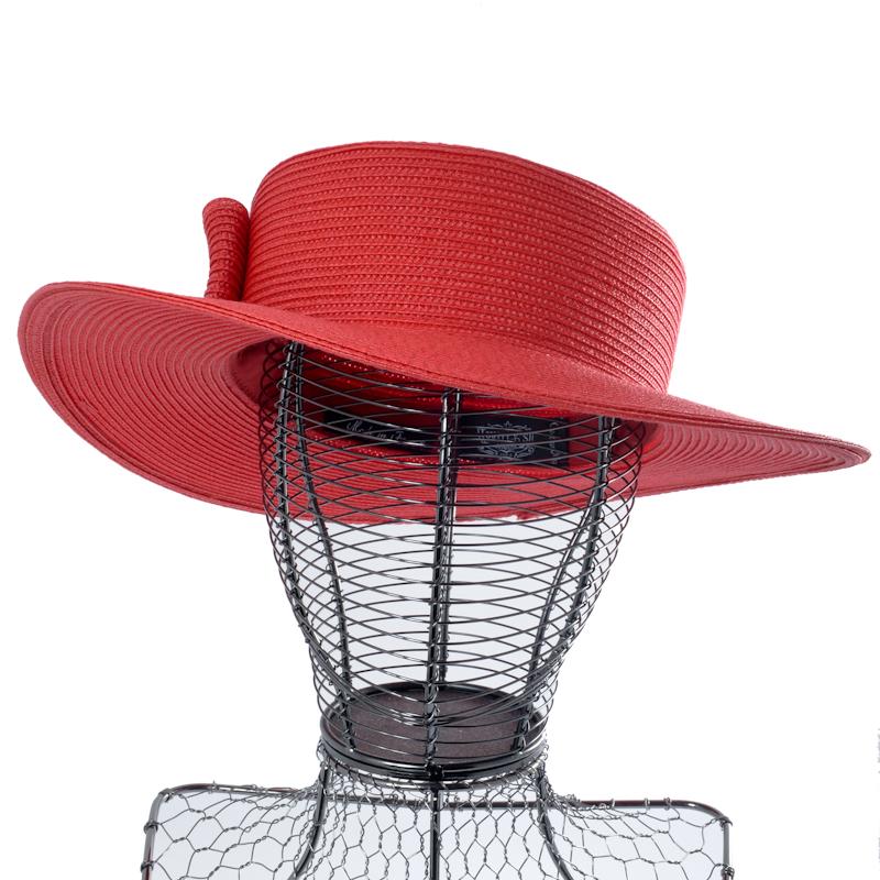 CHAPEAU CLOCHE EN CUIR D'AGNEAU DOUBLÉ SATIN Chapeaux femme 149,70 €
